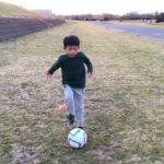 初心者向け6歳年長サッカードリブル・タッチ練習