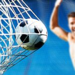 【放送事故】サッカーの試合に裸で乱入する変態になりたい。