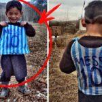 「ゴミ袋」を着てサッカーをする貧しい少年。写真を見たメッシ選手がしたことは・・・